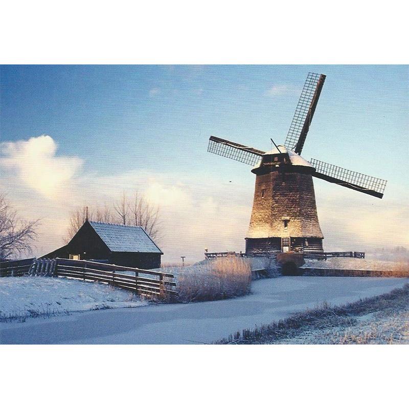 Besneeuwde molen