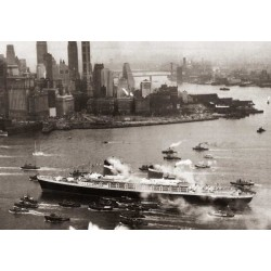 Queen Mary arrives
