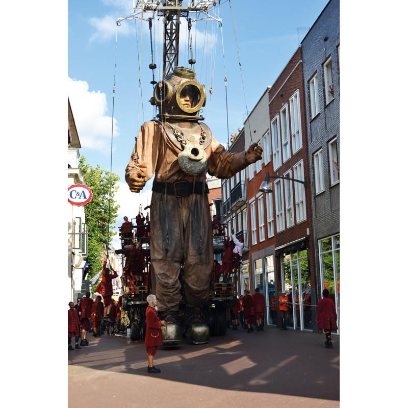 Reuzen van Royal de Luxe in Leeuwarden